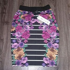 Mink Pink Pencil Skirt Black Floral size Small